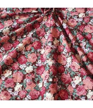 Ткань хлопок Розы на коричневом фоне