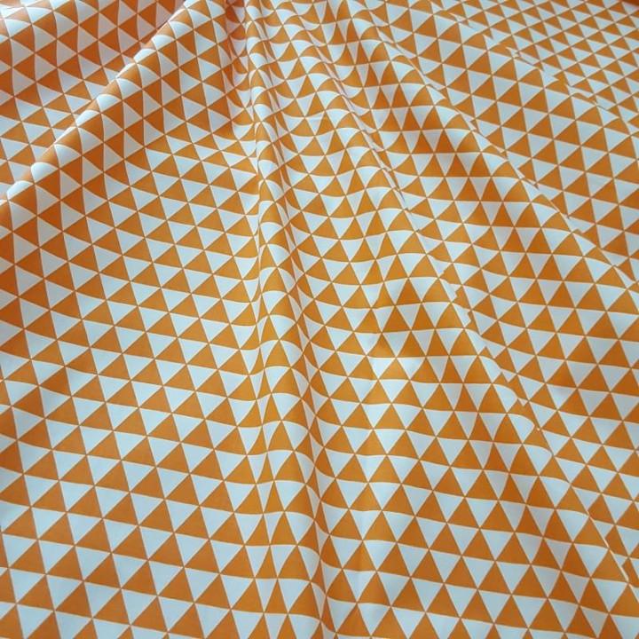 Ткань хлопок Треугольники оранжевые