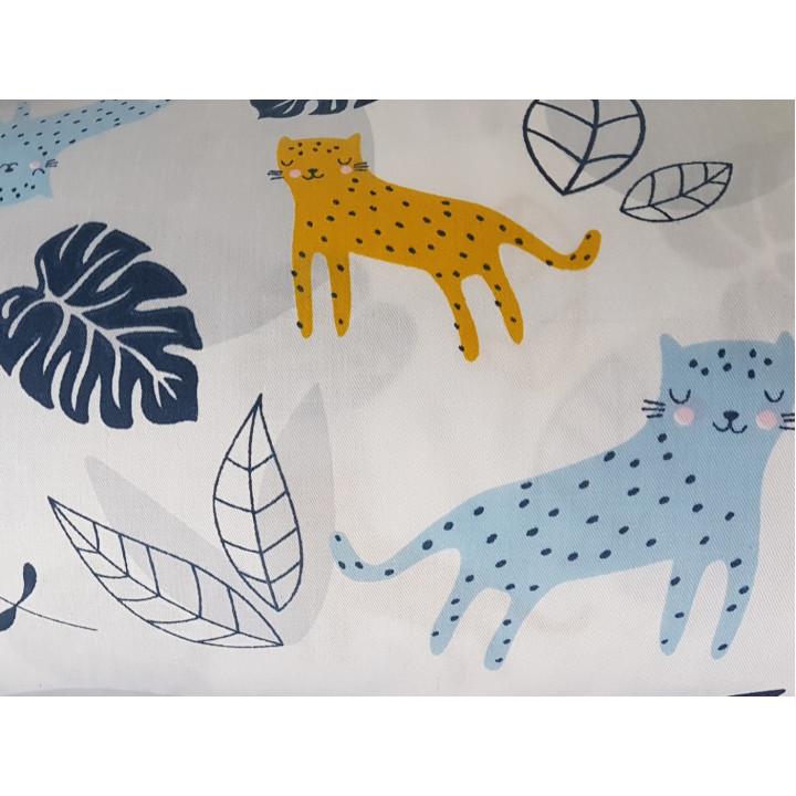 Ткань хлопок Леопарды, листья на белом фоне